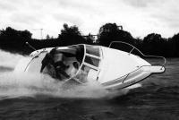 На испытаниях катер Unisail Wave 660