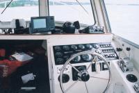Навороченная ходовая рубка американского полицейского катера