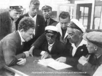 Николай Юльевич среди молодых яхтсменов