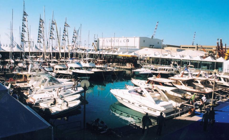 Панорама бот-шоу в Генуе