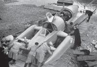 Первый спуск глиссера на воду
