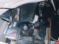 Под капотом двигатель MerCruiser