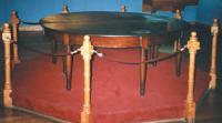 """Подлинный стол """"Патрикия"""". Стоял в адмиральской каюте Томаса Кокрейна"""