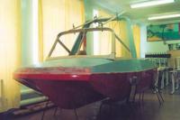 После того как корпус готов, начата подгонка рамы лобового стекла