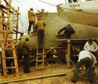 Работа над яхтами в межсезонье