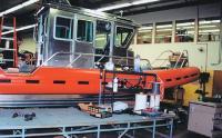 Серийный катер на последней позиции монтажа оборудования