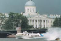 Случайно запечатленный момент переворота самарской лодки