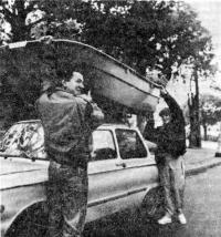 Снять лодку с багажника под силу «семейному» экипажу