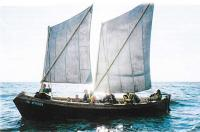 Спущенная на воду лодка