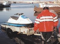 Спуск гидроцикла на воду с трейлера