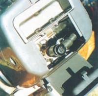 """""""Suzuki 2.2"""": чтобы поменять свечу, достаточно открыть крышку отдельного лючка"""
