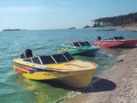 Тюнингованные катера «Амур»