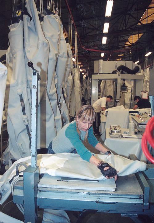 В цеху по производству надувнушек
