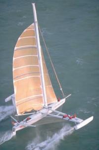 """Вид на тримаран """"L'Hydroptere"""" с высоты"""