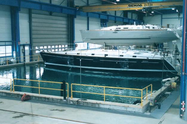 Все готовые лодки проходят проверку в испытательном бассейне