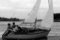 Яхта «Нева-2» на ходу под парусами