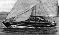 Яхта «Свонсонг» под парусами