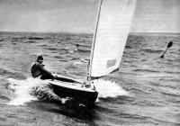 Яхтсмен на швертботе класса «Финн»