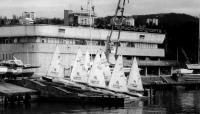 Яхты на пристани готовы к регате