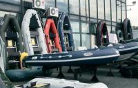 Цветовое и конструктивное разнообразие лодок