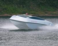 Довольно необычный дизайн катера