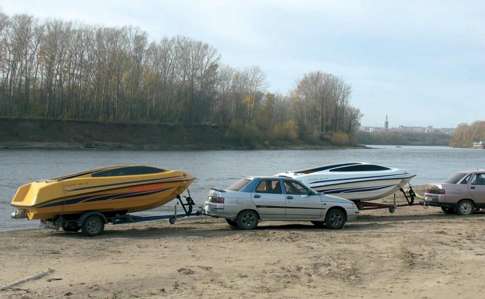 Два катера