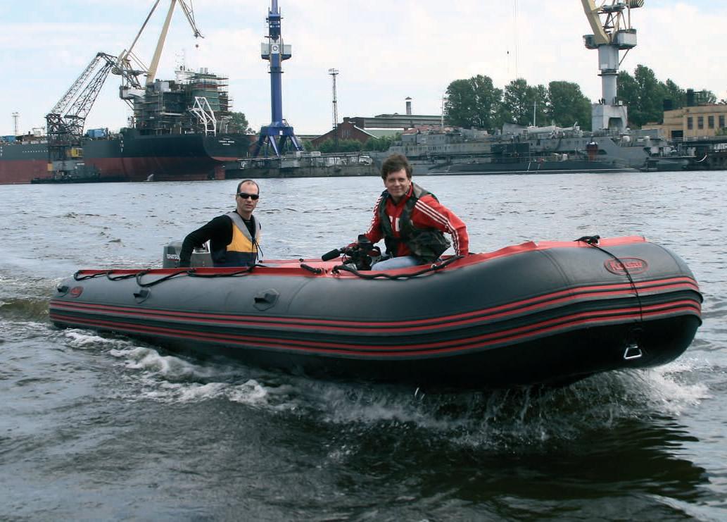 Маттиас Молин на купленной лодке