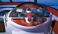 """Место водителя катера """"Baia Azzurra 63"""""""