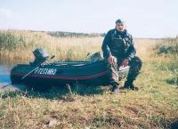 Надутая и собранная лодка Комбат-380