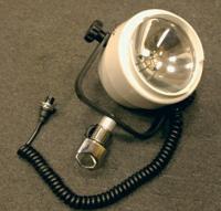 Самый мощный прожектор с двухнитевой блок-фарой суммарной мощностью 200 Вт