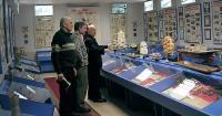 В музее лицея №3 Е. М. Попов дает интервью