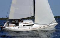 Яхта Мастер-27,5 под парусами